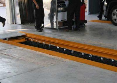 QuickPit Auto Service Pit System Pit Rails with Technician Platform